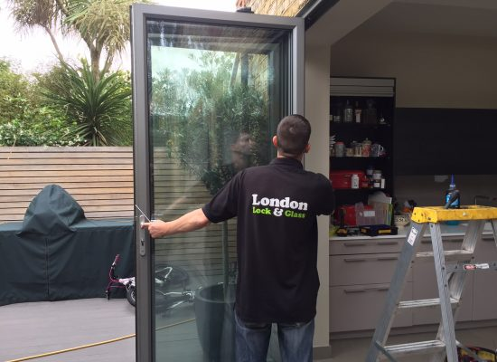 Bifold door alignment